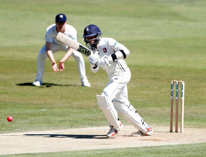 Bell-Drummond & Stewart shine in Surrey win