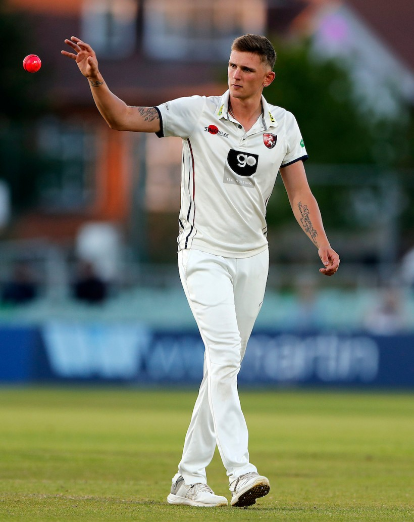 Podmore takes six wickets in record win v Middlesex