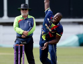 Spitfires boosted by Brathwaite arrival