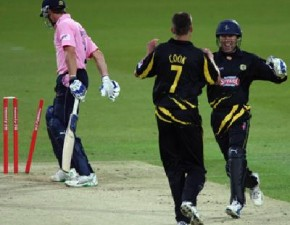 Watch the Spitfires and enjoy FREE cricket!