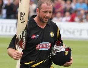 T20: Stevens the hero as Spitfires beat Hawks