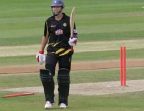 Spitfires down Surrey to reach cup quarter finals