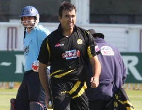 Nearly 6,000 watch Spitfires book their place in the T20 quarter-finals