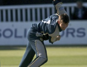 Cook's season's best gives Kent the lead in Beckenham