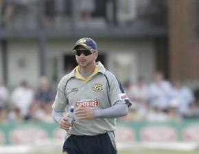 Kent lose six wickets in 26 overs through to Festival Week tea break