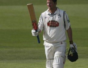 Key century leads Kent to safety against Derbyshire