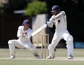 Ball and Weatherley give Kent slender lead