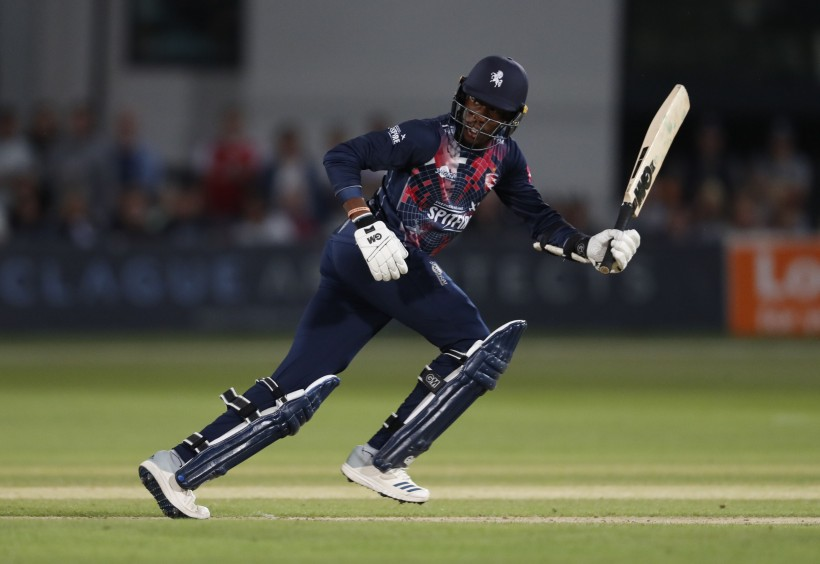 Spitfires miss out by one run