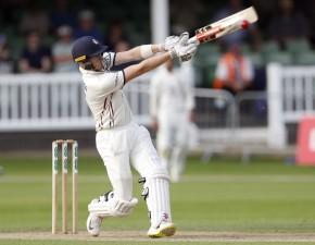 Warwickshire win title