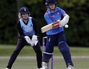 Kent beat Sussex in T20 double-header