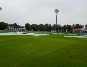 Rain thwarts final day drama