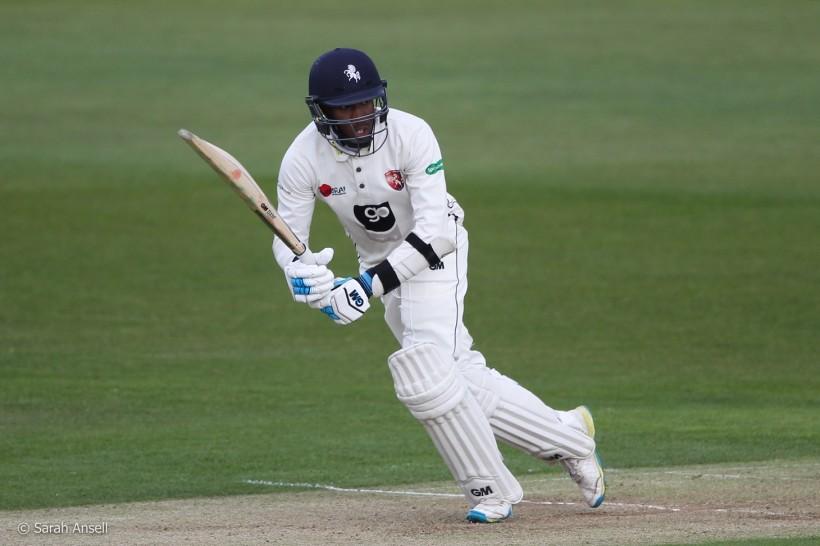 Bell-Drummond carries bat as Notts eye lead