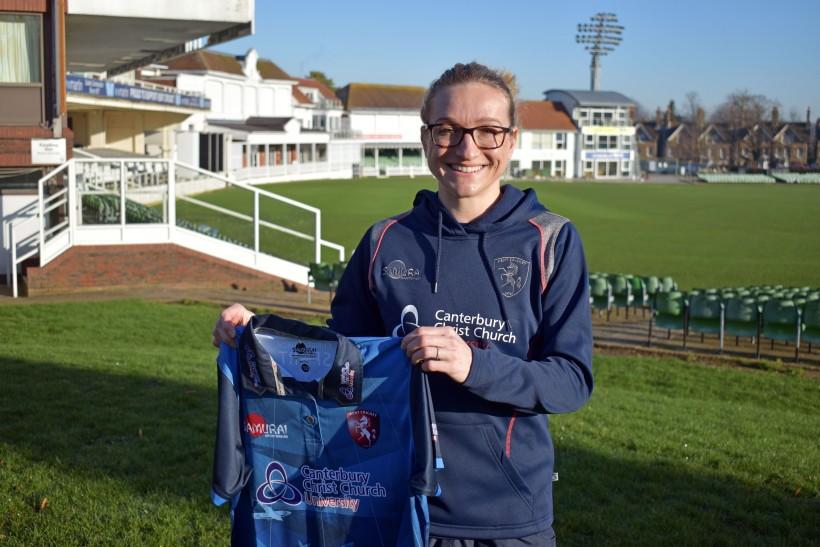 Rowe returns to Kent Women