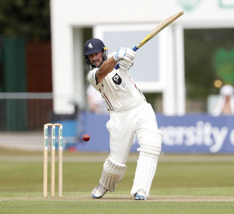 Stevens and Stewart lead Kent fightback
