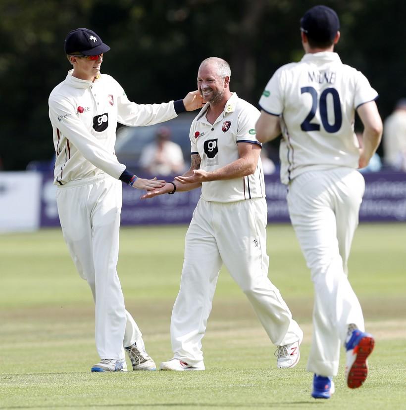 Stevens takes 50th wicket at Bristol