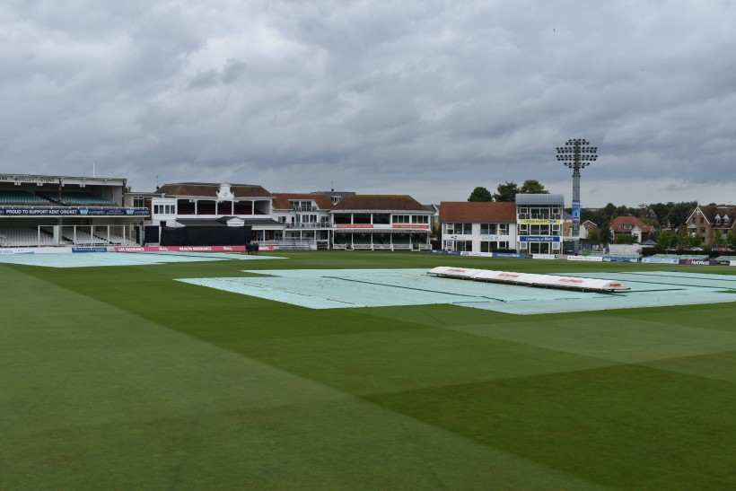 Glamorgan clash washed out