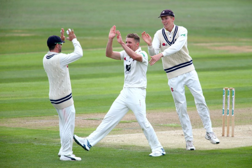 Kent rally after tough start against Essex