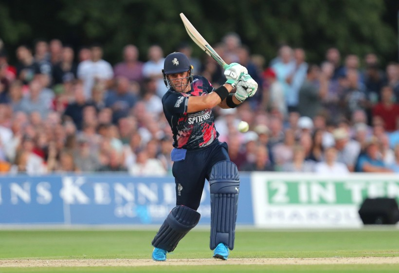 Spitfires stumble at Hove