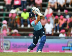 Denly helps England to victory