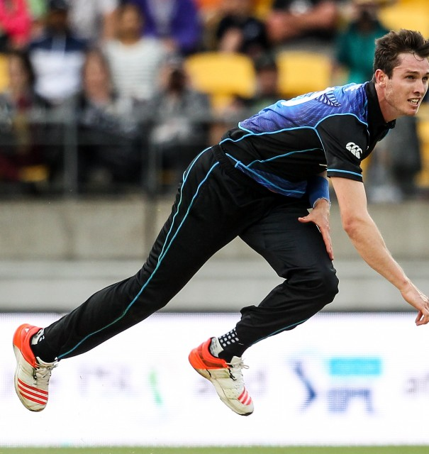 New Zealand paceman Adam Milne signs for Kent