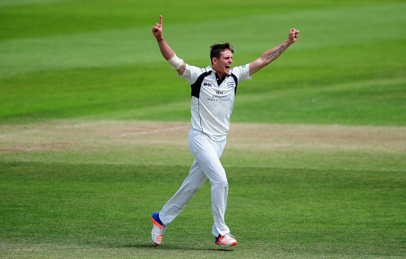 Kent sign paceman Harry Podmore