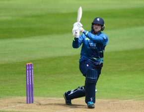Blake commits future to Kent Cricket
