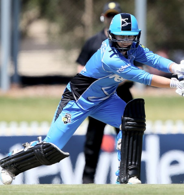 Beaumont helps Strikers start WBBL in style