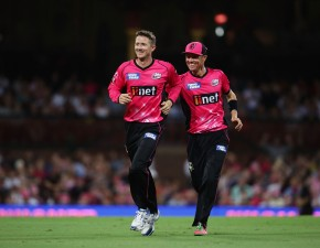 Joe Denly claims wicket and 50 in BBL