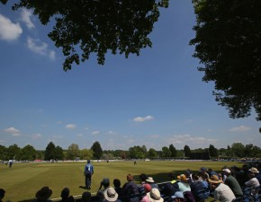 Kuhn hits 90 in Middlesex defeat