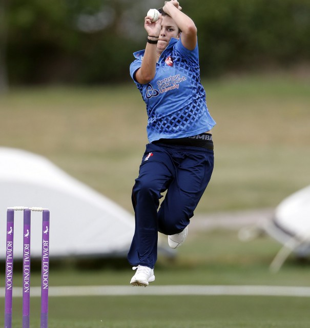 Farrant & Gibbs take 3 wickets each in Lancashire loss