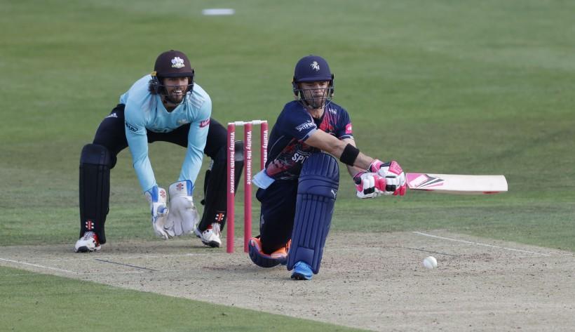 Spitfires defeat Surrey in Vitality Blast