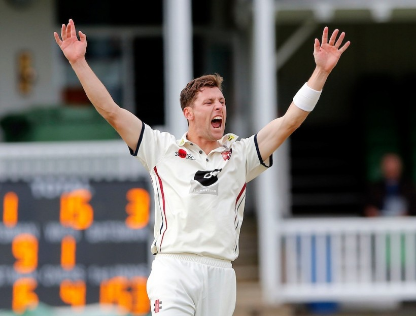 Six of the best for Henry as Glos follow on