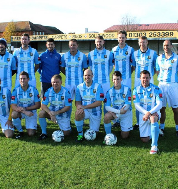 Kent cricketers draw football friendly