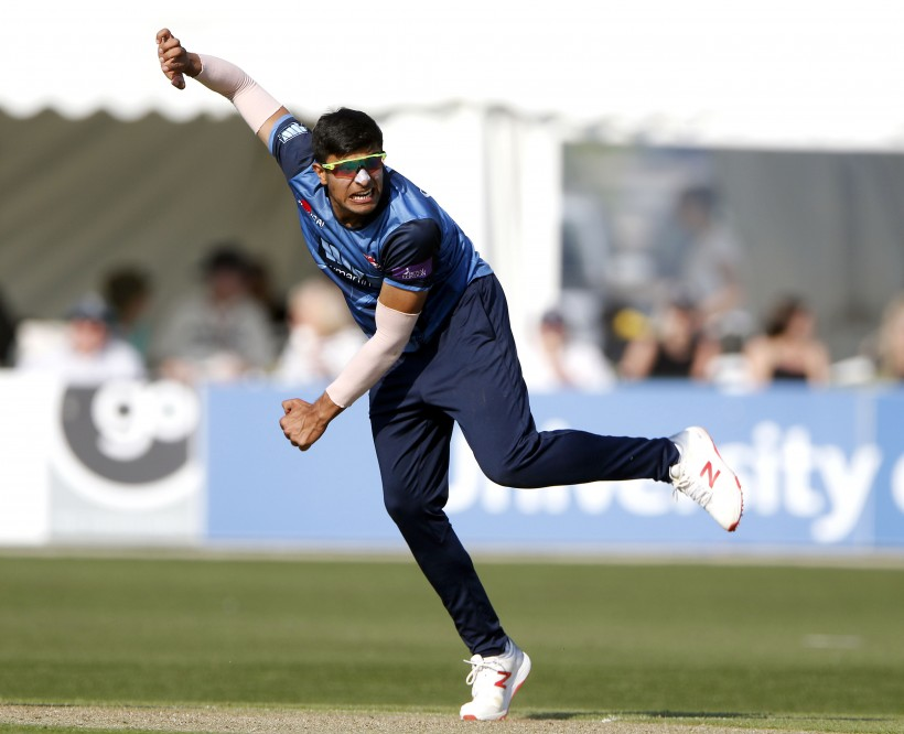 Seconds spin to win against Sussex