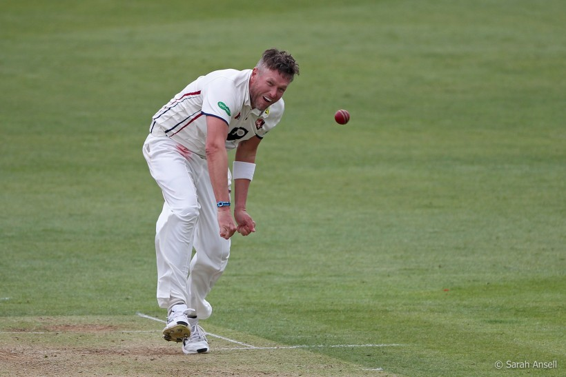 Kent build lead after dismissing Sussex on day 2