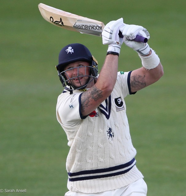 Stevens century helps Kent to full bonus points