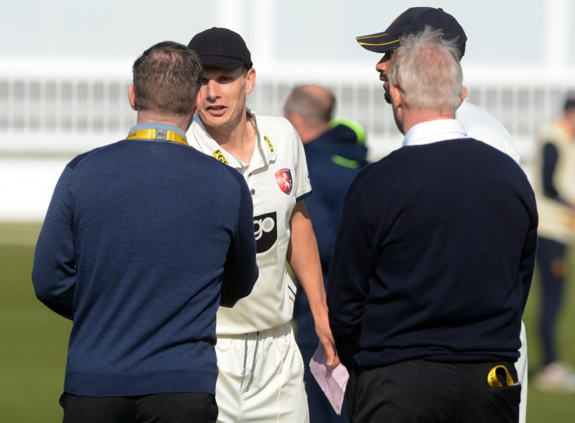 Gidman and Tredwell take 3 wickets each as Kent beat Leeds Bradford MCCU