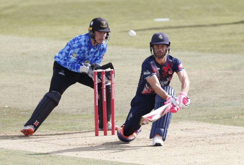 Spitfires suffer first defeat of Blast campaign