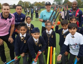 Bell-Drummond helps launch London Cricket Trust