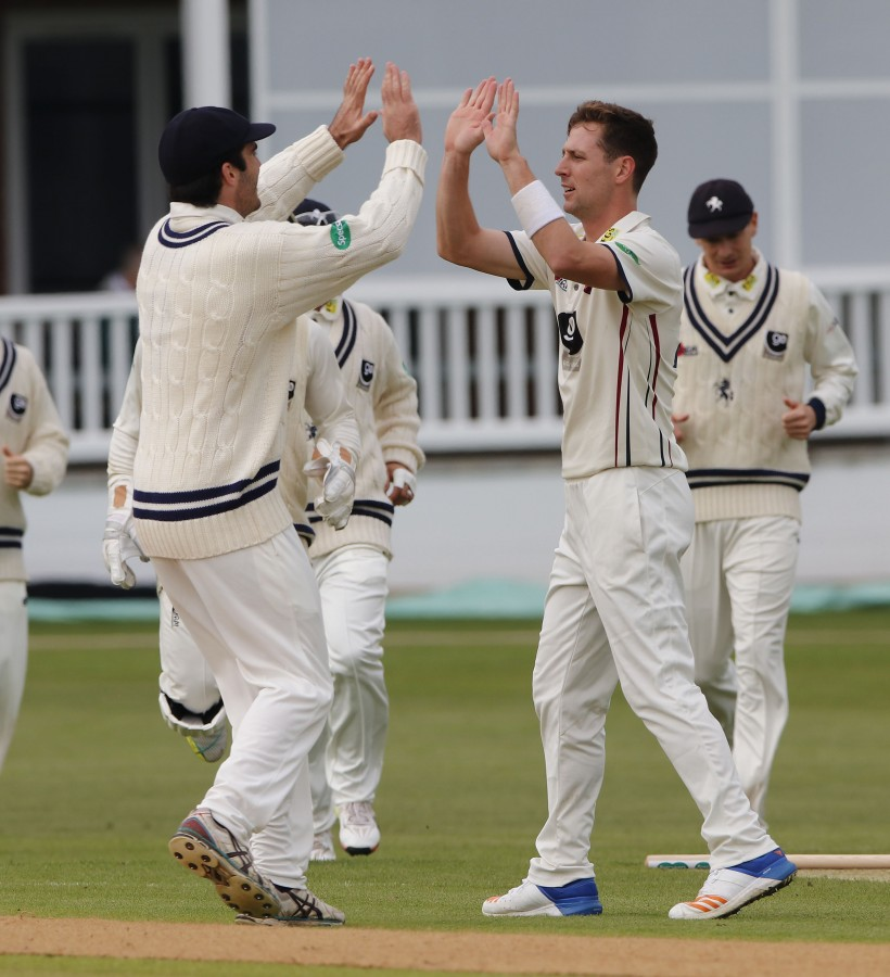 Henry claims 7 wickets on debut as Glos win on final day