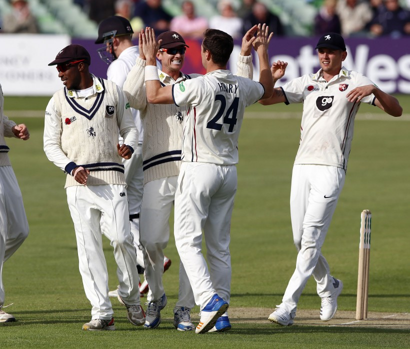 Kent build lead as Henry takes 31st wicket