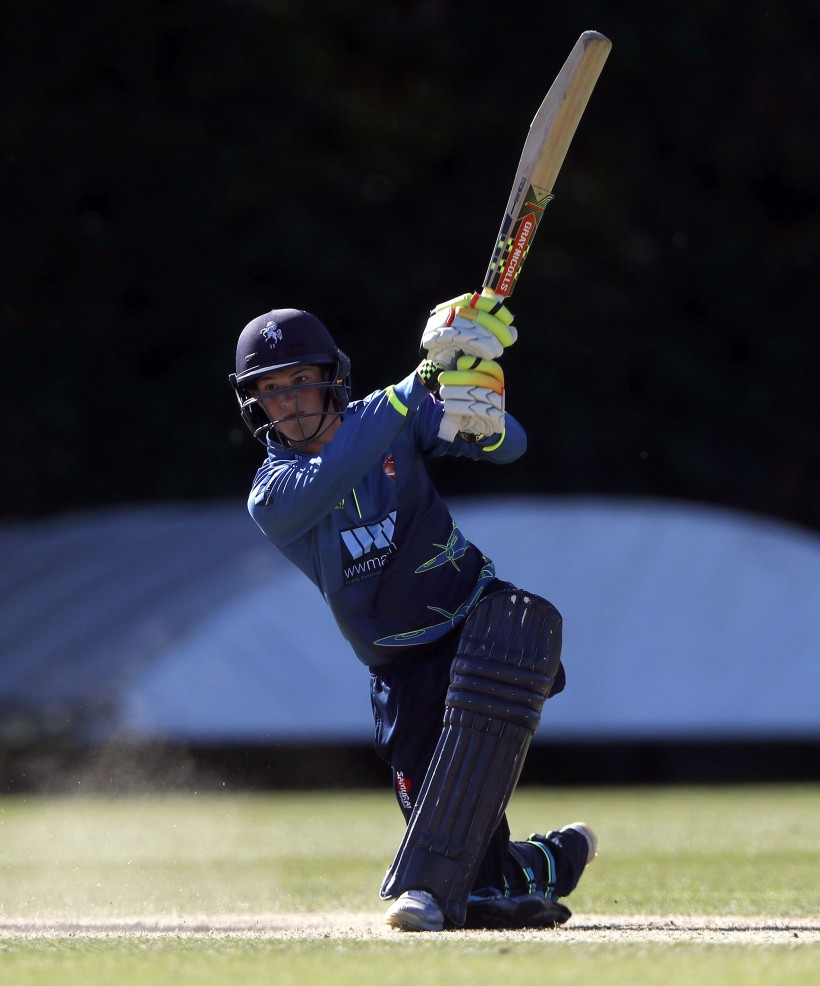 Robinson hits 50 for England Under-19s
