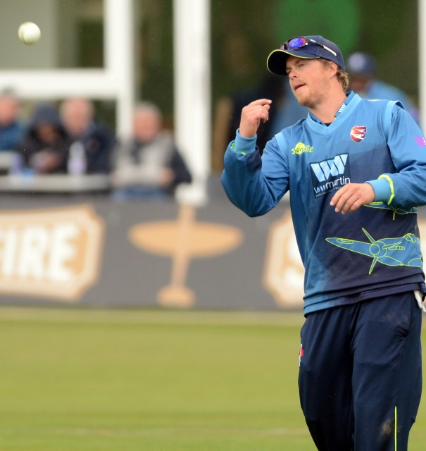 Northeast signs for Hampshire