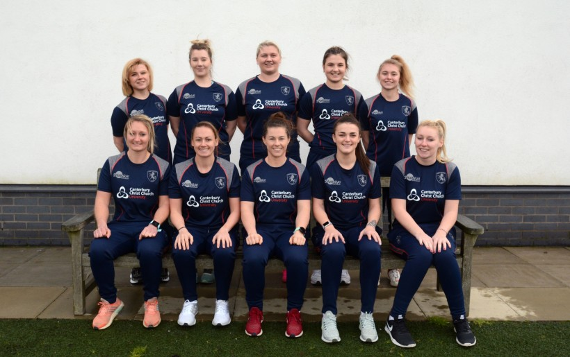 Kent Women secure victory in the 'Battle of the Bridge'