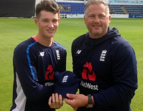 Robinson in England U19 squad