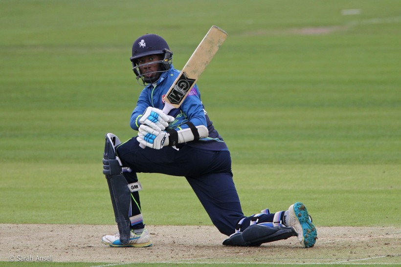 Bell-Drummond hits 2nd successive century in Sussex defeat