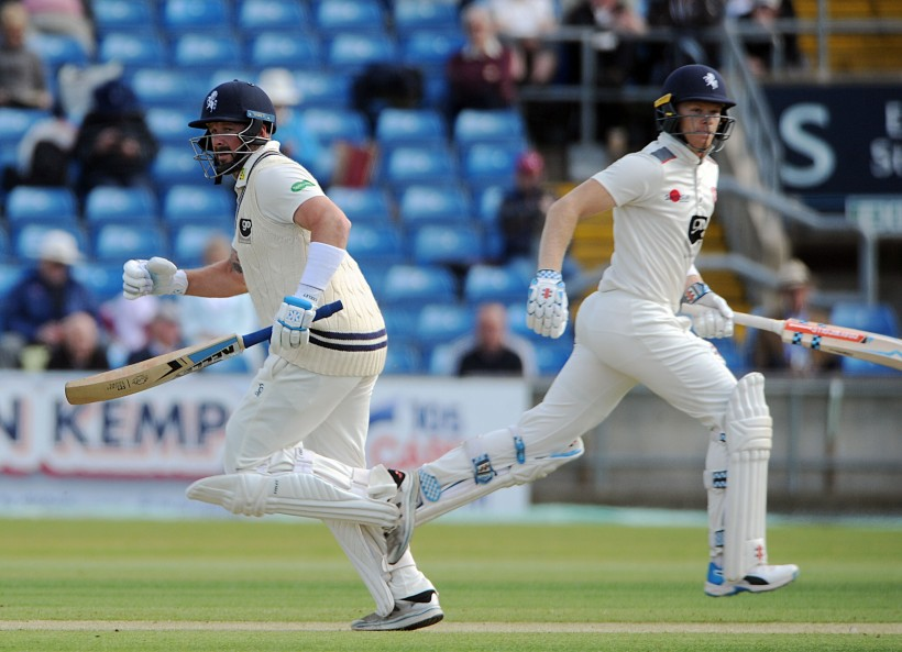 Club record stand puts Kent in control