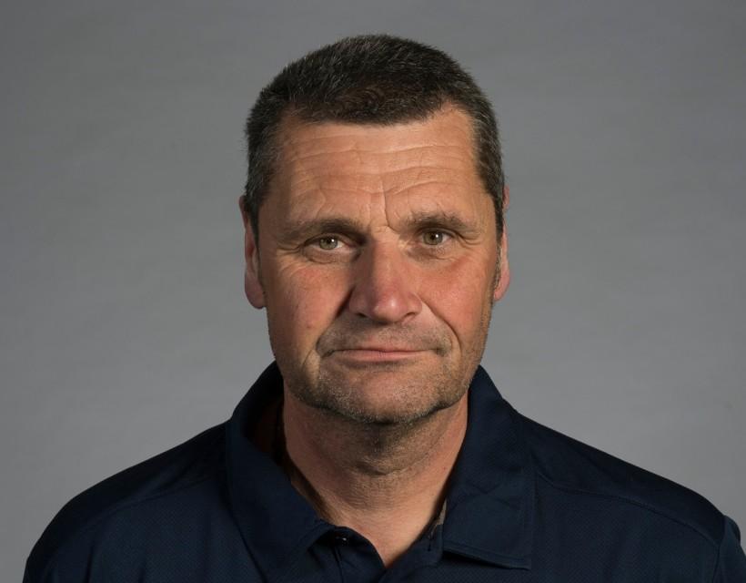 Simon Williamson to retire