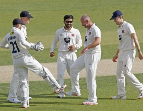 Kent seal thrilling win in 'Oldest Rivalry' clash