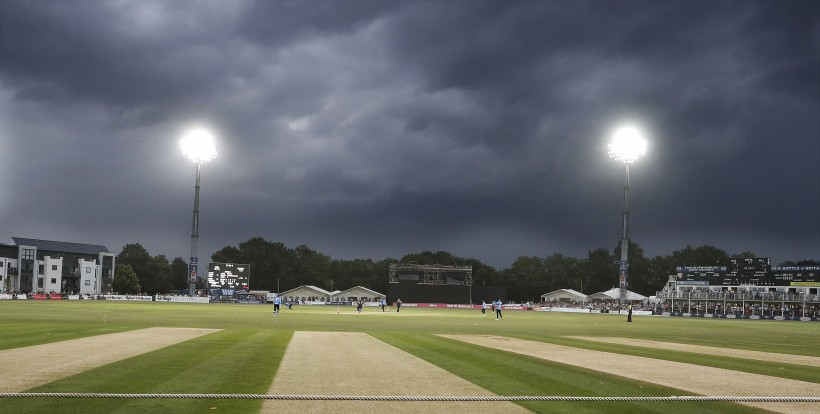 Storms cut short T20 v Sussex
